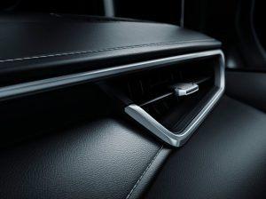 toyota-2019-corolla-hatchback-11-l